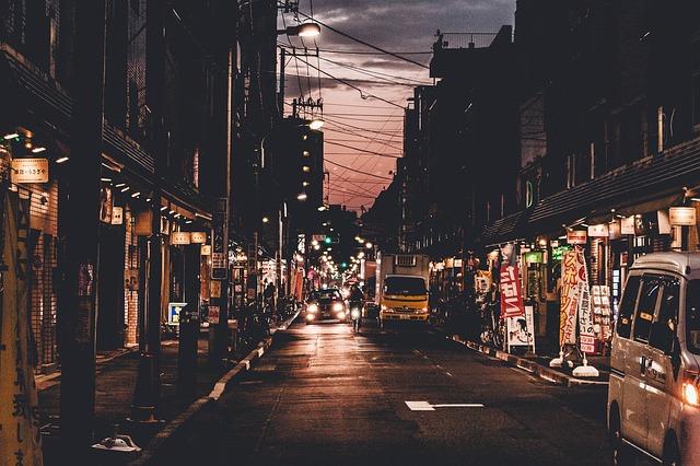 ulice v noci.jpg