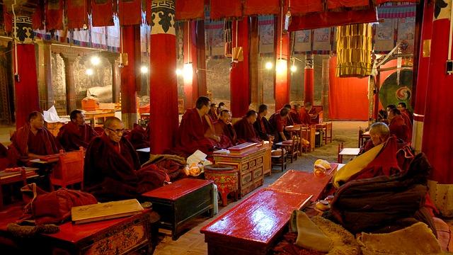 buddhistický klášter, modlitba