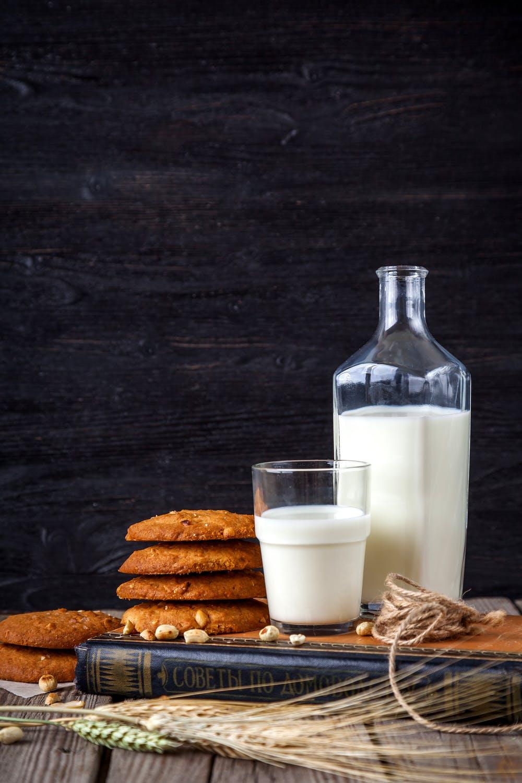 mléko a sušenky