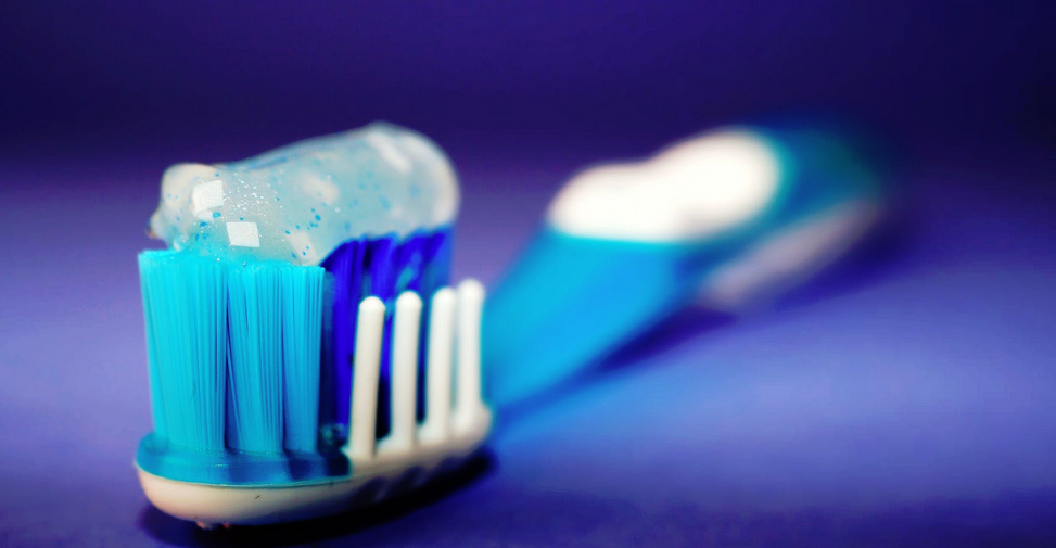zubní kartáček